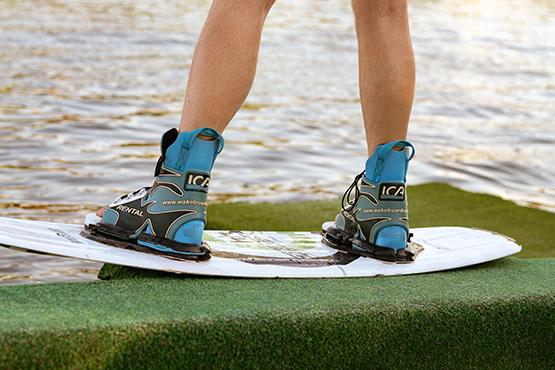 Lerne Wasserski fahren oder Wakeboarden in Berlin.