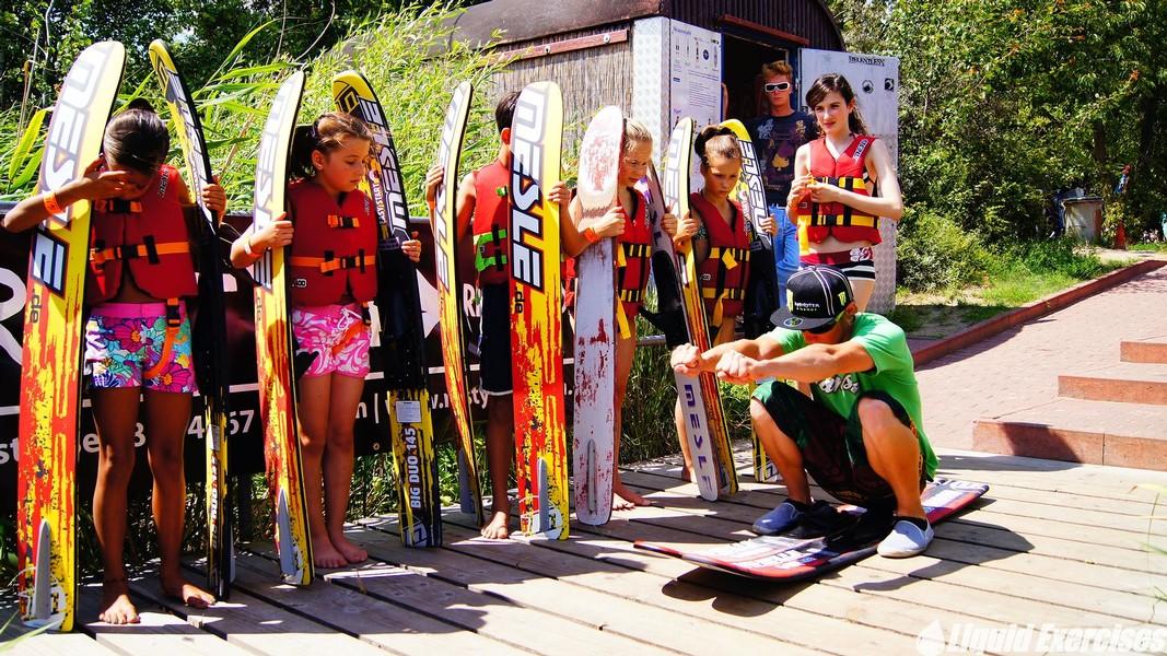 Wasserski fahren unter Anleitung unseres Teams
